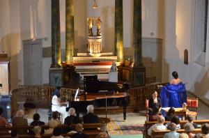 "Cécilia Arbel chantant l' "" Ave Maria "" de Gounod"